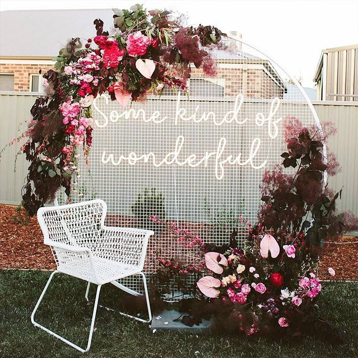 mesh round backdrop for wedding